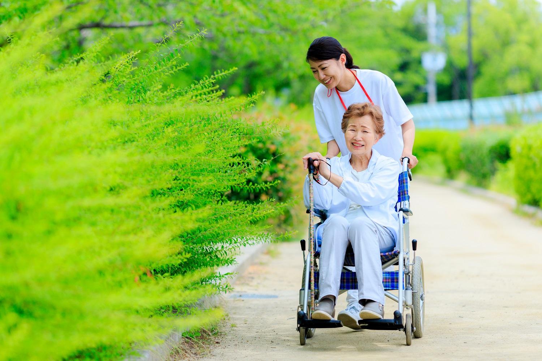 專業上門長者照顧服務-elder-care